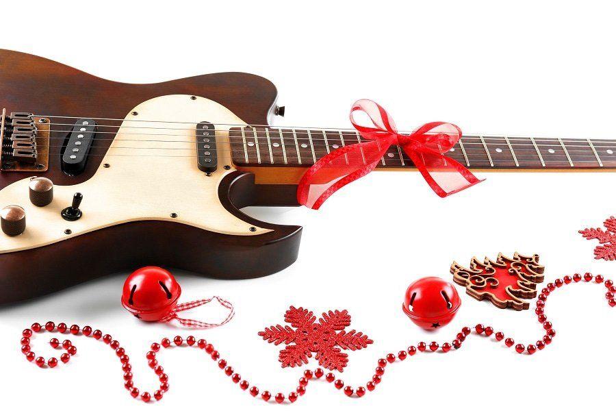 10+ Rocking' Christmas Tree Decorating Ideas